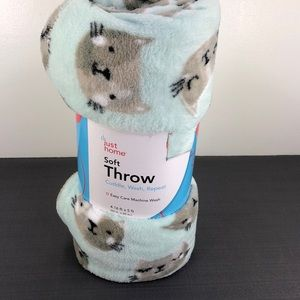 Just Home Other - Just Home  Soft Throw Mint Green Gray Cat/Kitty